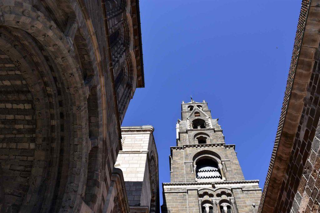 La Cathédrale du Puy en Velay à découvrir en vélo électrique