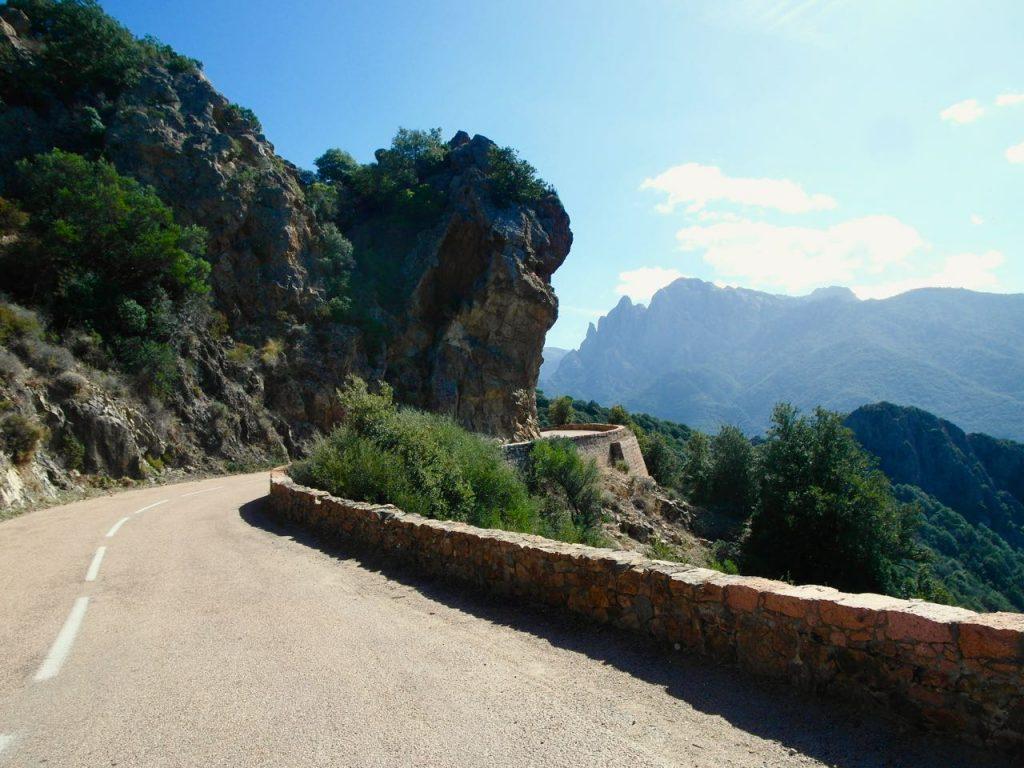 Sur les routes corses à vélo